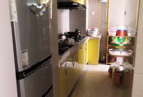 白龙路地铁口美术小区温馨两室带家具家电随时期待您的入住