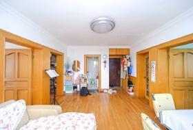 小区中+间位置,边套全明,满五年一套房