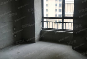 中海片区4室2厅2卫140.0平米145.00万元