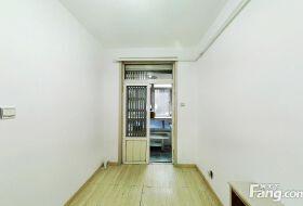 二楼低楼层 南北向小户型 总价低 看房方便