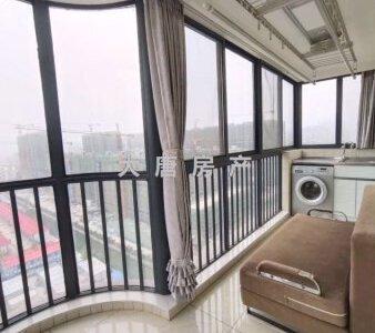 精装修南北通透电梯房满五住房133平香堤雅郡二手房